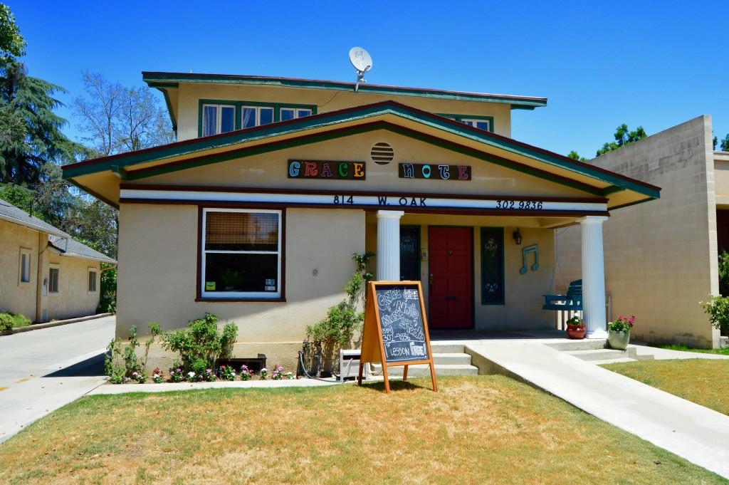 814 W. Oak Visalia, CA 93291